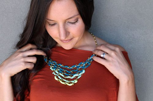 diy ombre statement necklace using spandex