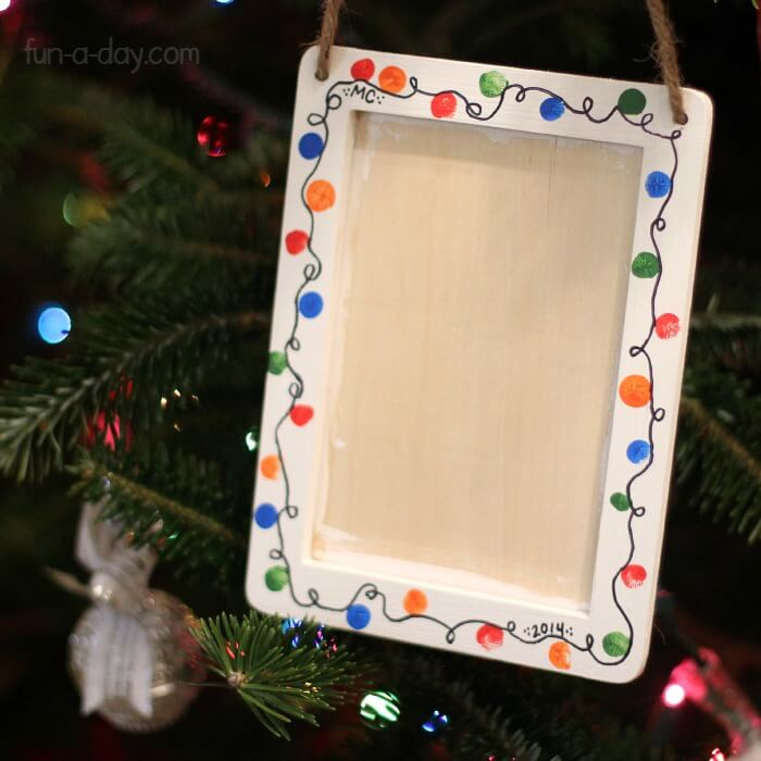 picture frames decorated with fingerprints