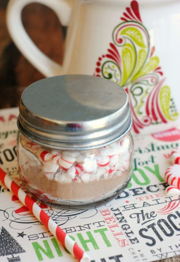 A delicious mix of peppermint and hot cocoa mix that children can make