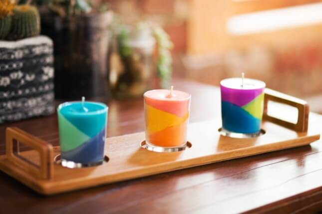 candles made from melted crayons and wax