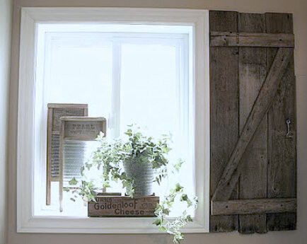 barn door window shutters using fencing