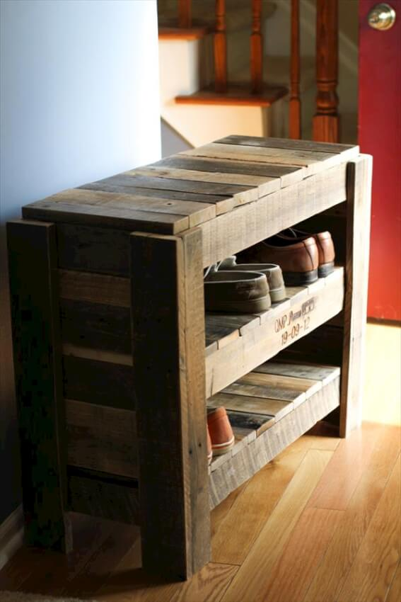 Pallet shoe rack makes for a nice addition to an entry way or mud room.